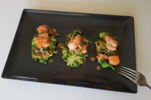 wok con brócoli y carne de pincho moruno