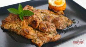 Descubre nuestra receta de chuletas de aguja de cerdo marinadas: Un plato cotidiano preparado de una forma extraordinaria. La Abuela Marga
